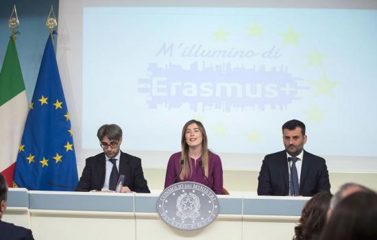 Conferenza stampa con Boschi, Decaro e D'Arrigo