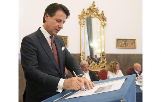 Conte a Foggia per la firma del Contratto Istituzionale di sviluppo