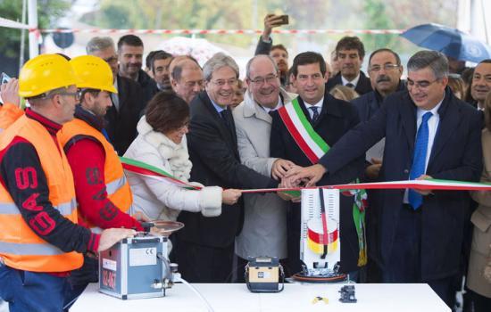Gentiloni a Campli all'inaugurazione dei cantieri Open Fiber