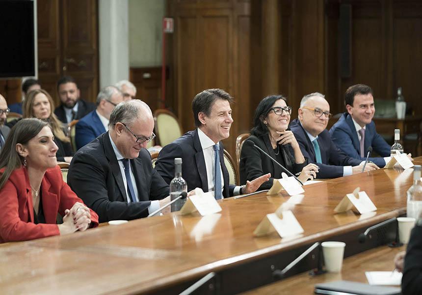 Il Presidente Conte al Tavolo sui contratti del pubblico impiego - m5stelle.com - notizie m5s