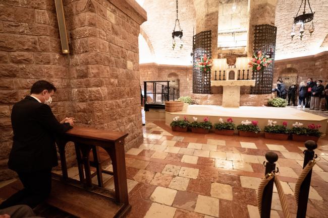 Assisi, il Presidente Conte nella Cripta di San Francesco