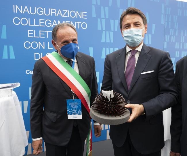 Conte a Capri all'inaugurazione del collegamento elettrico con la penisola sorrentina