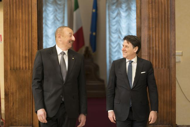 Conte con il Presidente della Repubblica dell'Azerbaigian Ilham Aliyev
