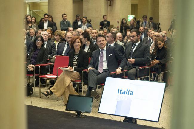 IL Presidente Conte e il Ministro Pisano alla presentazione del Piano Nazionale Innovazione