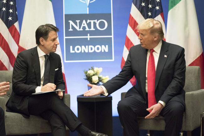 Summit NATO, incontro Conte - Trump