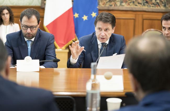Conte e Patuanelli incontrano i sindacati a Palazzo Chigi