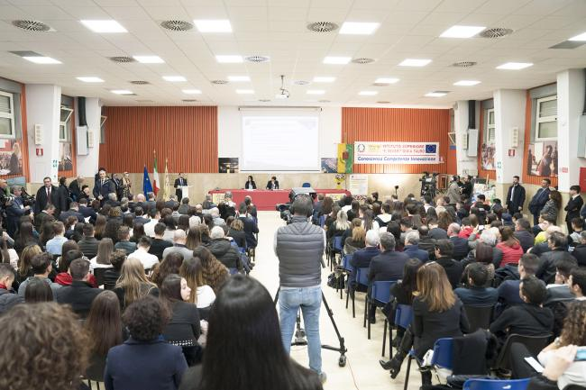 Il Presidente Conte a Gioia Tauro alla presentazione del Piano per il sud con i Ministri Giuseppe Provenzano e Lucia Azzolina
