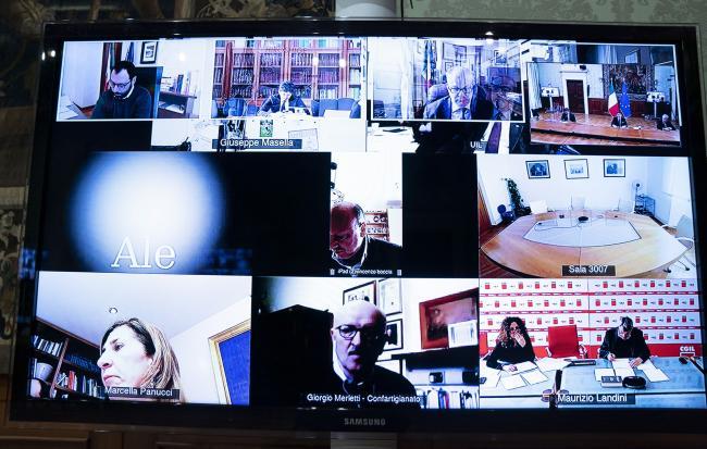 Il Presidente Conte in videoconferenza con le parti sociali