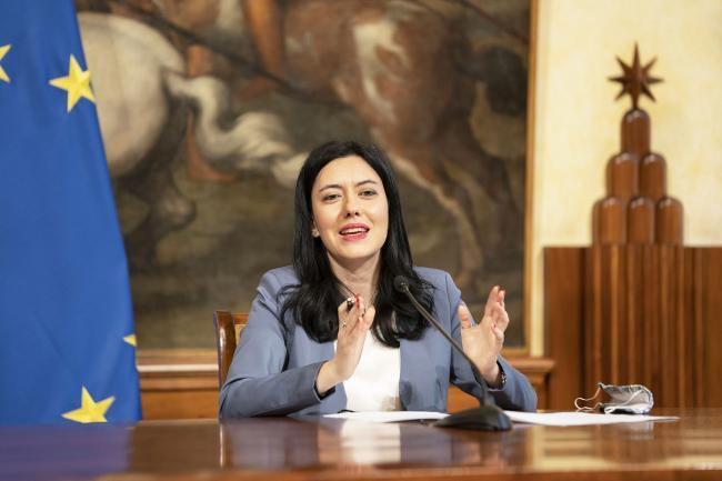 Conferenza stampa del Presidente Conte e del Ministro Azzolina