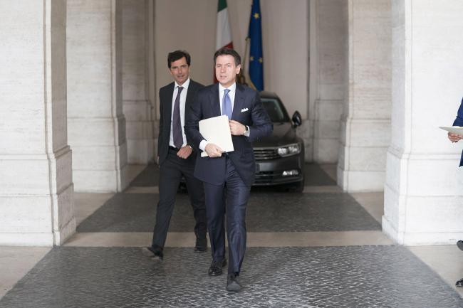 Conte lascia Palazzo Chigi per recarsi alla Camera dei Deputati