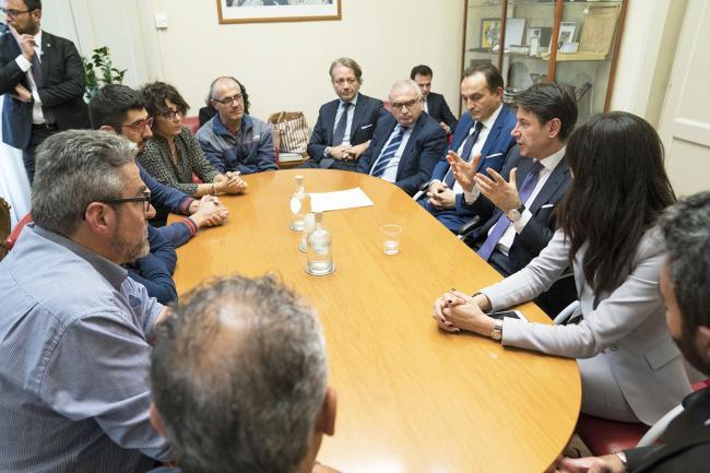 Conte incontra una delegazione dei sindacati di base della Embraco, Lear e Olisistem