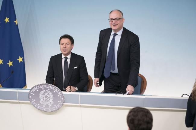 Vertice sulla Manovra, conferenza stampa del Presidente Conte e del Ministro Gualtieri