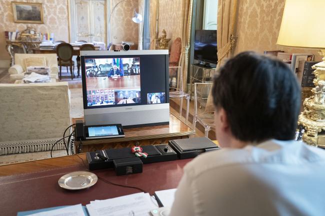 Coronavirus, Conte in videoconferenza