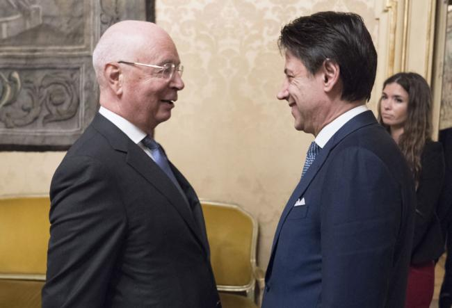 Il Presidente Conte incontra il Presidente esecutivo del World Economic Forum