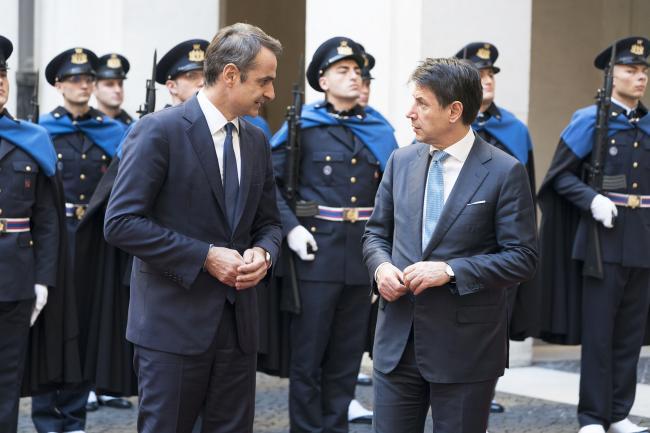 Conte accoglie a Palazzo Chigi il Primo Ministro della Repubblica Ellenica