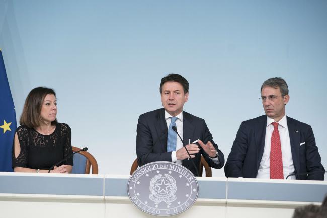 Maltempo, conferenza stampa di Conte con De Micheli, Costa e Borrelli a Palazzo Chigi