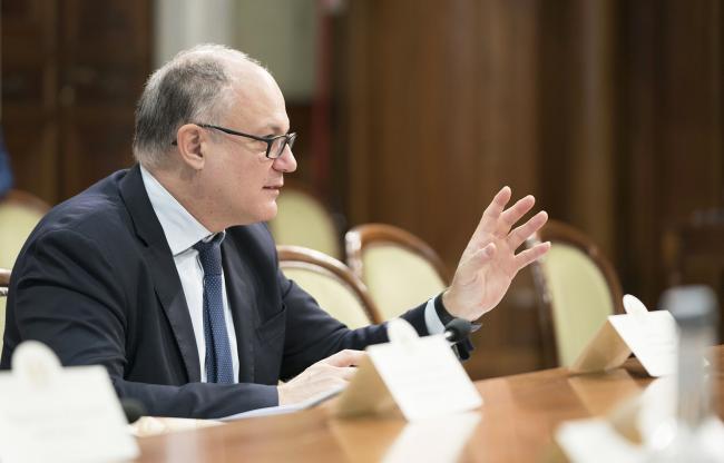 Gualtieri in riunione con delegazione di Sindaci Anci