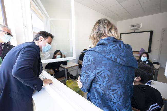 Il Presidente Conte con gli studenti