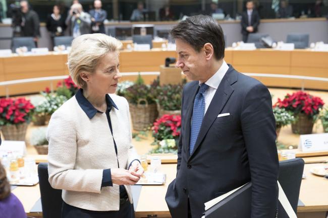 Euro Summit, il Presidente Conte con Ursula von der Leyen