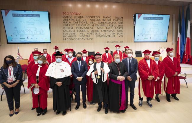 Il Presidente Conte e il Ministro Manfredi al III Forum Internazionale del Gran Sasso