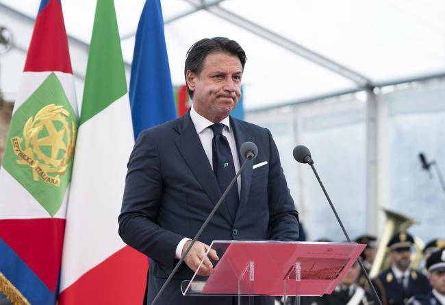 Conte all'inaugurazione del nuovo ponte autostradale di Genova