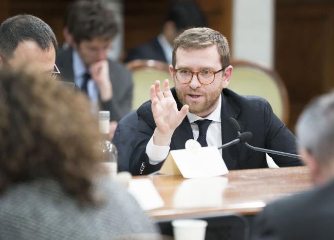 Il Ministro per il Sud e la coesione territoriale durante l'incontro tra Governo e sindacati su investimenti pubblici e Sud