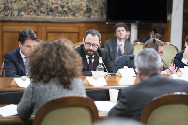 IlMinistro dello Sviluppo Economico durante l'incontro tra Governo e sindacati su investimenti pubblici e Sud