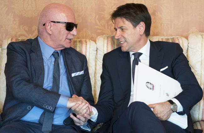 Conte con il Presidente dell'unione ciechi e ipovedenti della provincia di Sassari