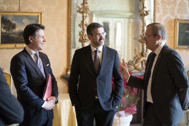 Il Presidente Conte con ilsottosegretario alla Presidenza del Consiglio Fraccaro e il Direttore generale dell'Esa Jan Woerner.