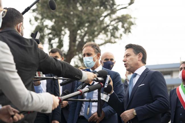 Il Presidente Conte durante il punto stampa