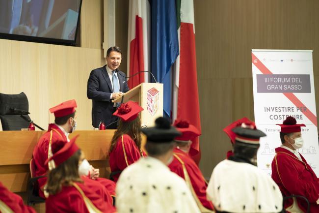 Il Presidente Conte interviene alIII Forum Internazionale del Gran Sasso