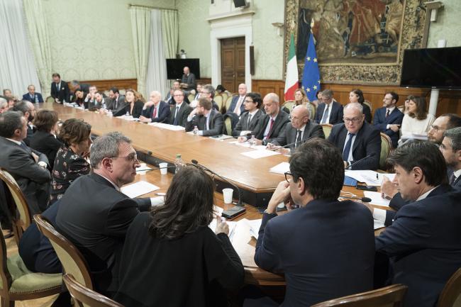 Coronavirus, riunione tecnica a Palazzo Chigi