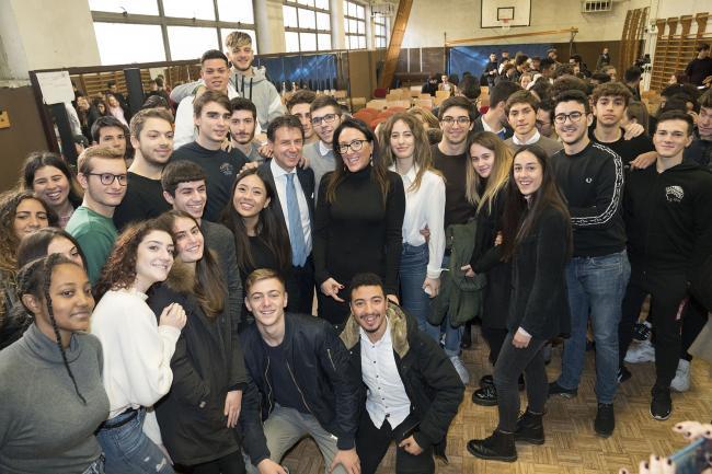"""Conte incontra gli studenti dell'Istituto """"Charles Darwin"""""""