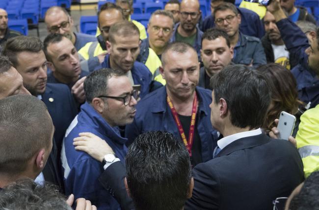 Il Presidente Conte con gli operai ex Ilva