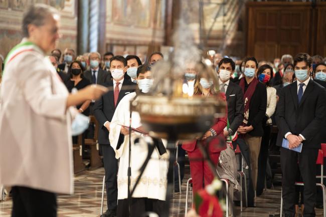 Assisi, il Presidente Conte assiste allaCelebrazione Eucaristica