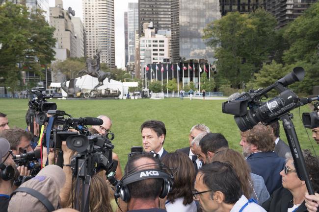 Il Presidente Conte a New York durante un punto stampa