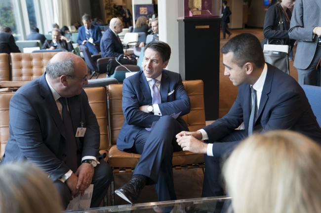 Il Presidente Conte con il Direttore Generale dell'OIM Vitorino
