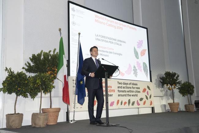 Conte al Forum Internazionale sulla Forestazione Urbana
