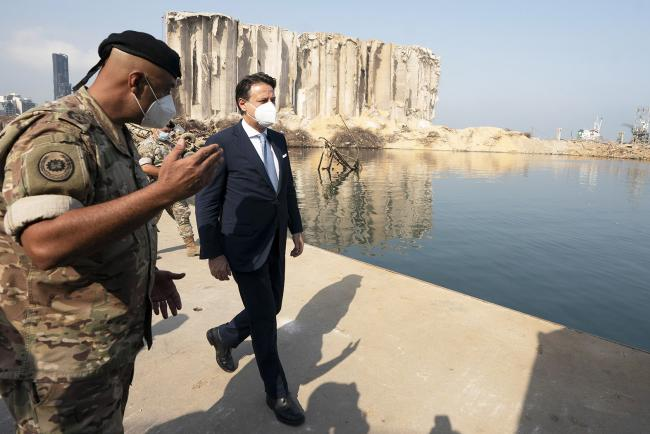 Il Presidente Conte visita l'area del porto di Beirut