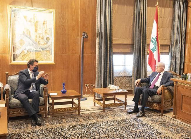 Beirut, il Presidente Conte incontra il il Presidente del Parlamento