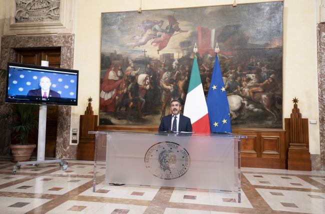 Spazio, il Sottosegretario Fraccaro firma l'intesa di cooperazione Italia-Stati Uniti