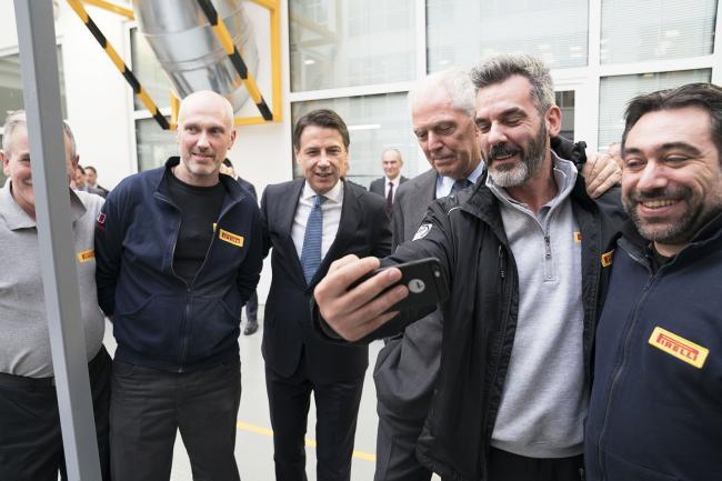 Il Presidente Conte visita i laboratori di Ricerca e Sviluppo Pirelli