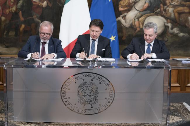Il Presidente Conte con il Presidente ed il Vice Presidente della BEI