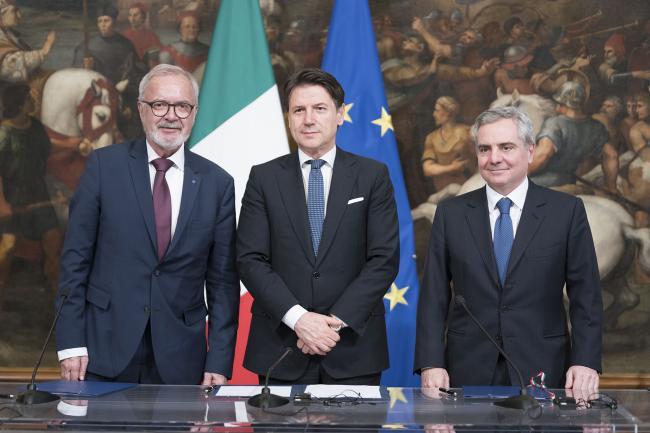 Il Presidente Conte con il Presidente della BEI Hoyer ed il Vice Presidente della BEI Scannapieco