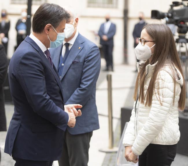 Il Presidente Conte con Chiara, figlia di Paolo Salvucci