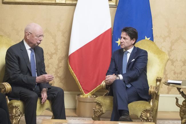 Il Presidente Conte incontra il Presidente esecutivo del World Economic Forum