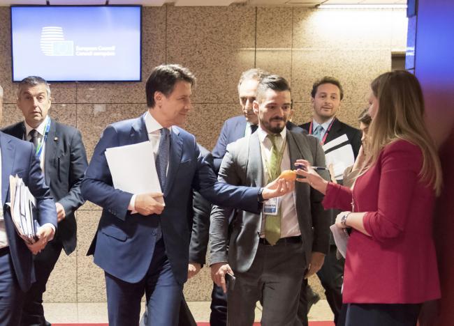 Il Presidente Conte durante i lavori del Consiglio europeo